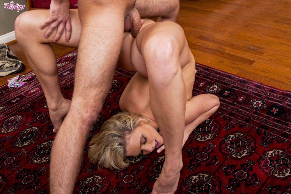 Смотреть анальное порно с гимнастками онлайн