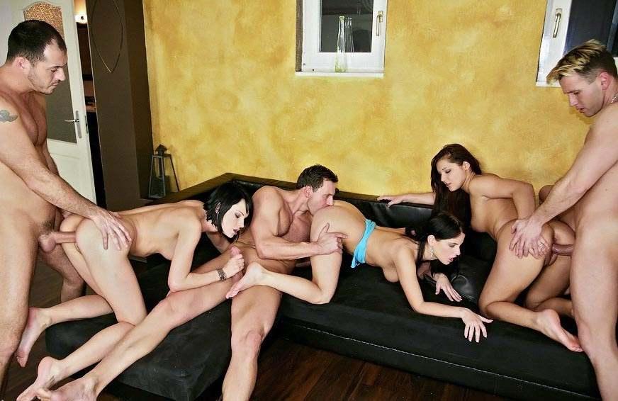 Бесплатное порно фото групповое онлайн