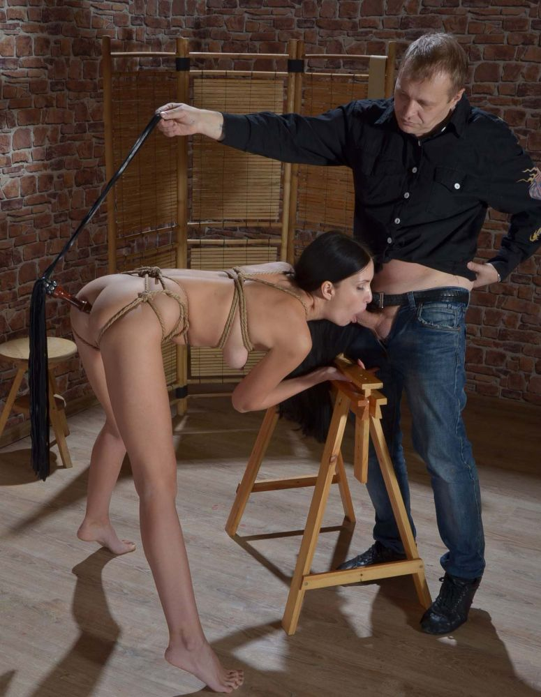 порно хозяин и рабыни фильм фото