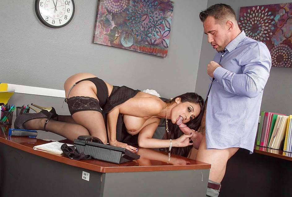 Секретарша захотела своего босса