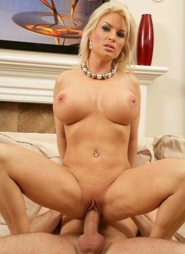 Порно блондинки верхом