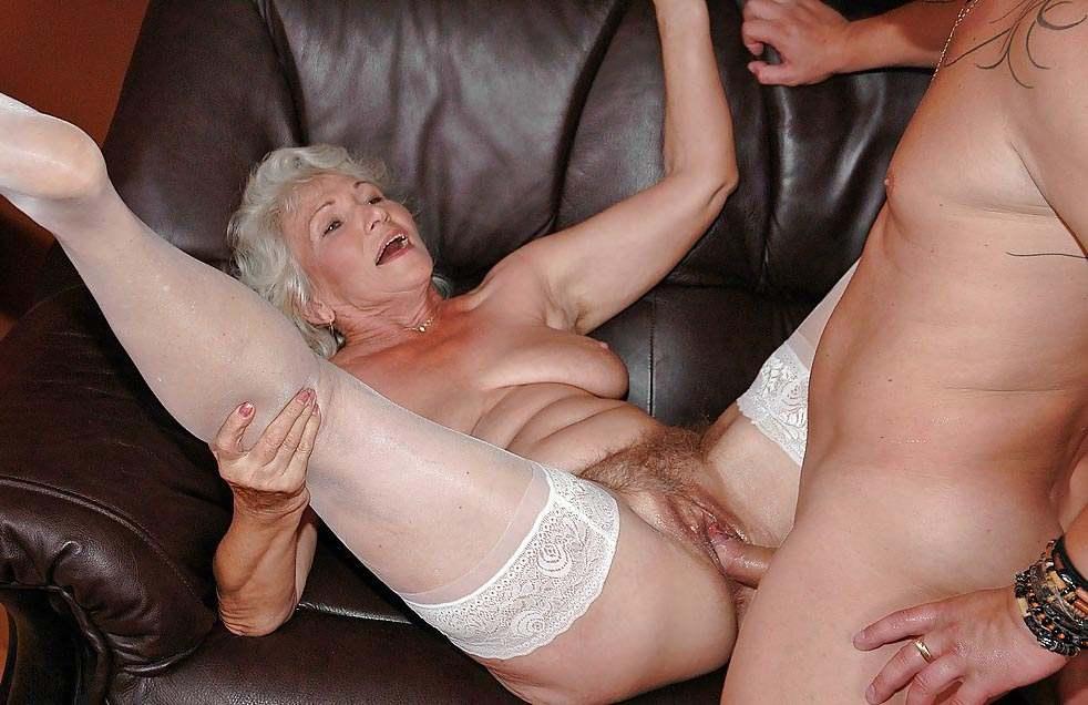Смотреть порно пожилых бабушек онлайн