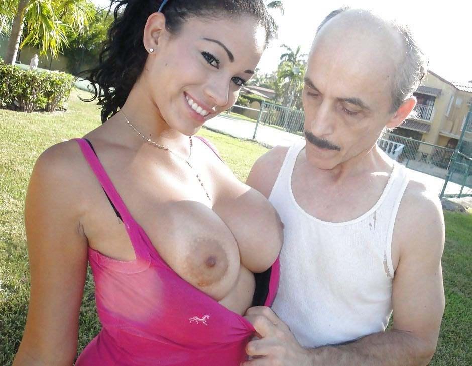 Порно внучка груди